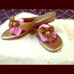 J.Renee' leather thong sandals size 9.5 w